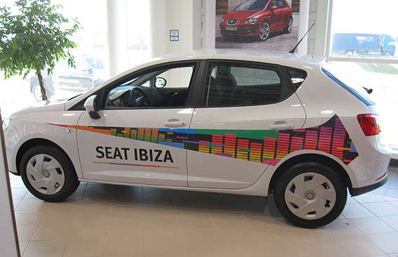Оклейка автомобилей тест-драйв